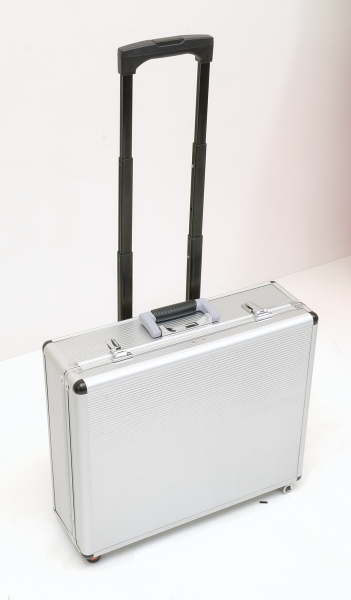 valise a outils trolley aluminium 128 pieces garantie. Black Bedroom Furniture Sets. Home Design Ideas